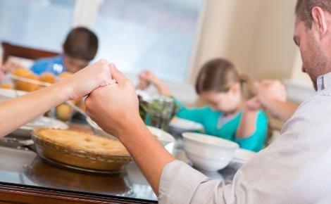 dinner table prayer