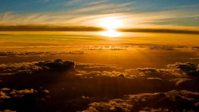 golden-sunset-desktop-background
