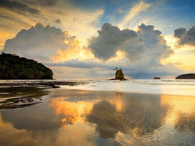sunset-clouds-beach-costa-rica_42606_990x742