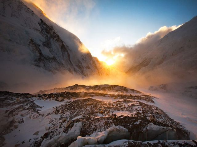 sunset-everest-richards_52210_990x742