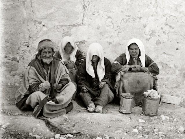 Group of handicapped beggars, mat06348